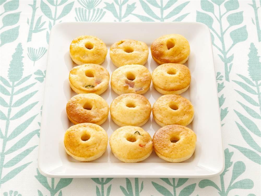写真:ポテサラ焼きドーナツ