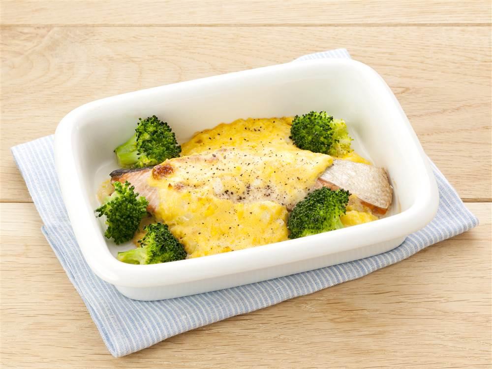 写真:鮭のコーンクリームマヨ焼き