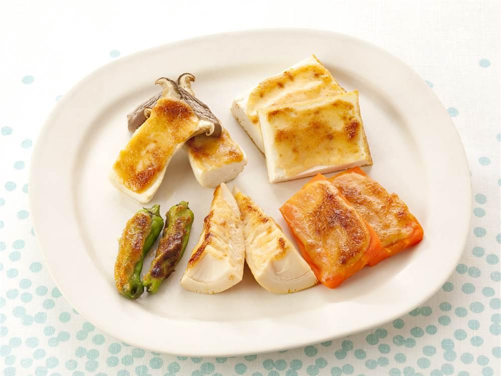 写真:野菜と厚揚げのみそマヨ焼き