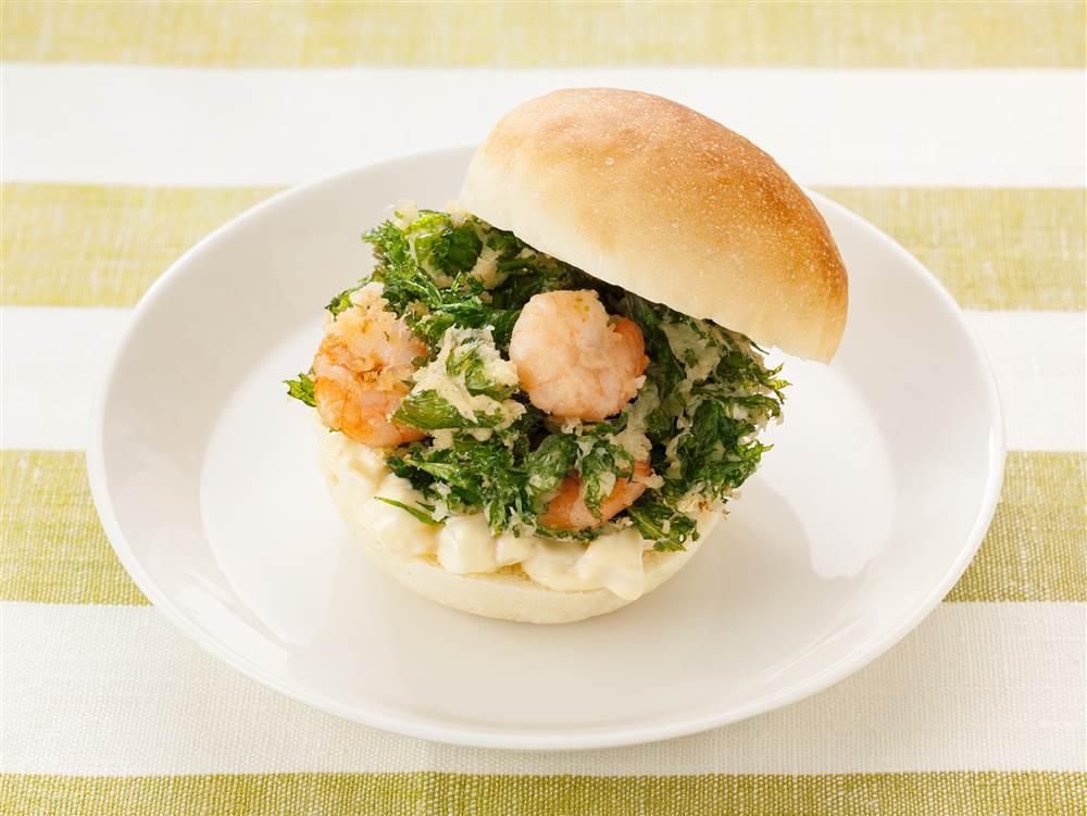 写真:サラダソースのかき揚げバーガー