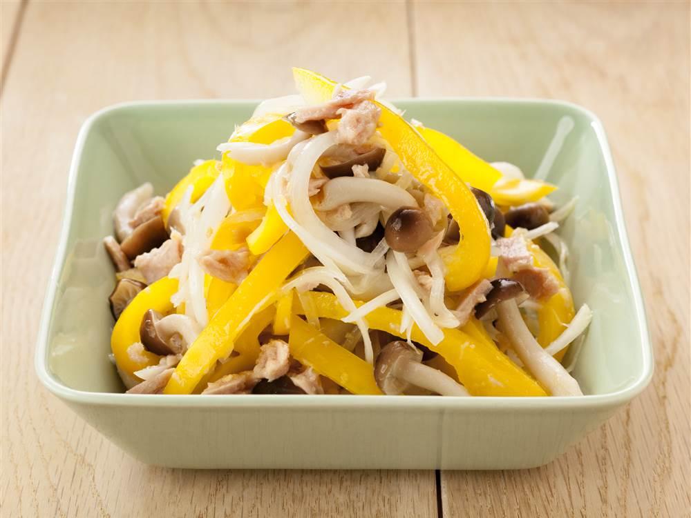 写真:黄パプリカとツナのマリネサラダ