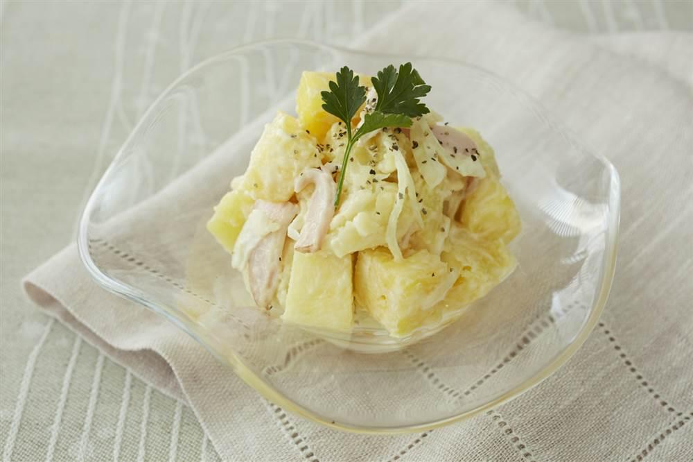 写真:パイナップルとハムのポテトサラダ