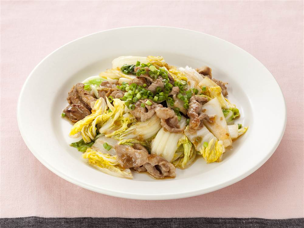 写真:白菜と豚こまの黒酢たまねぎ炒め