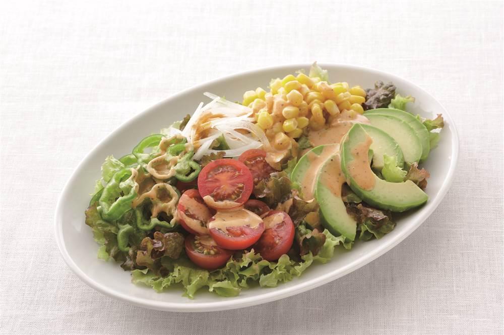 写真:野菜のカラフルコブサラダ