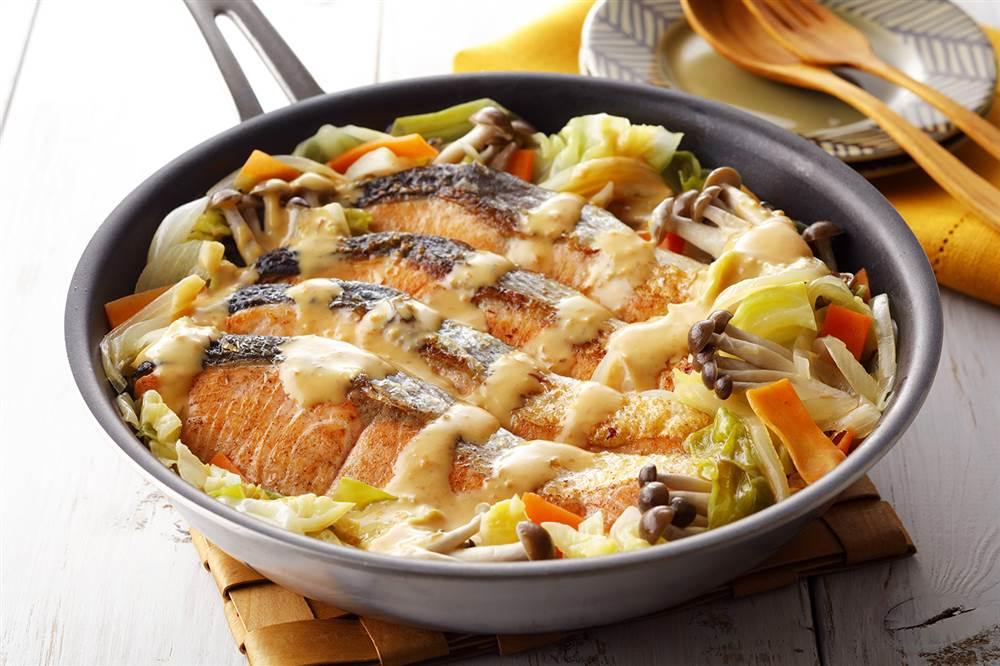 写真:フライパンで!秋鮭のみそマヨちゃんちゃん焼き