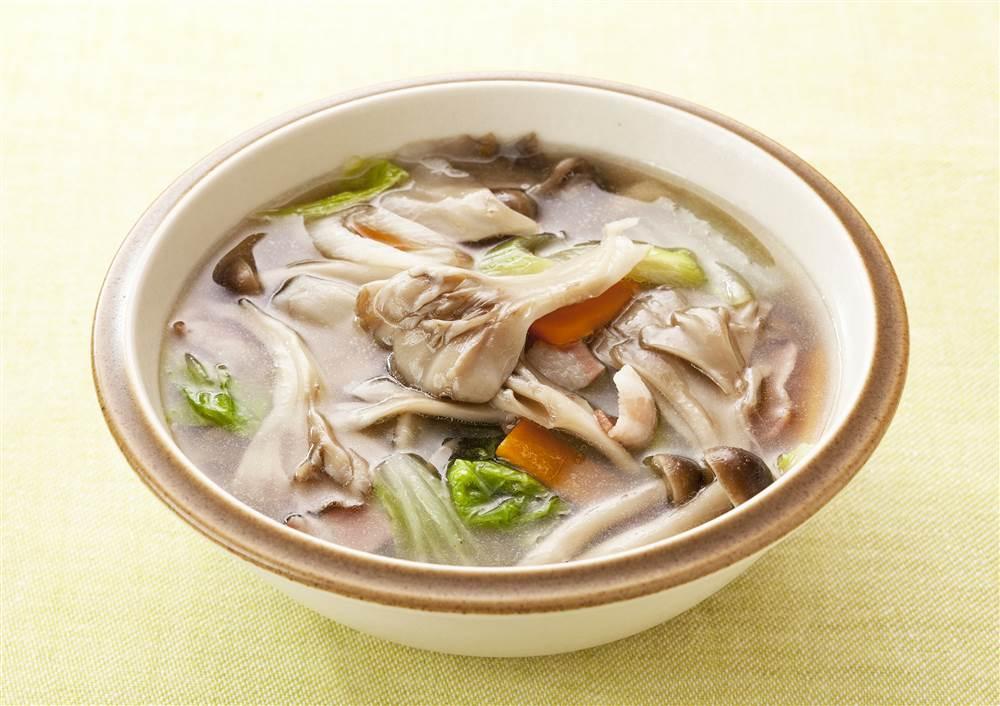 写真:まいたけとたっぷり野菜のスープ