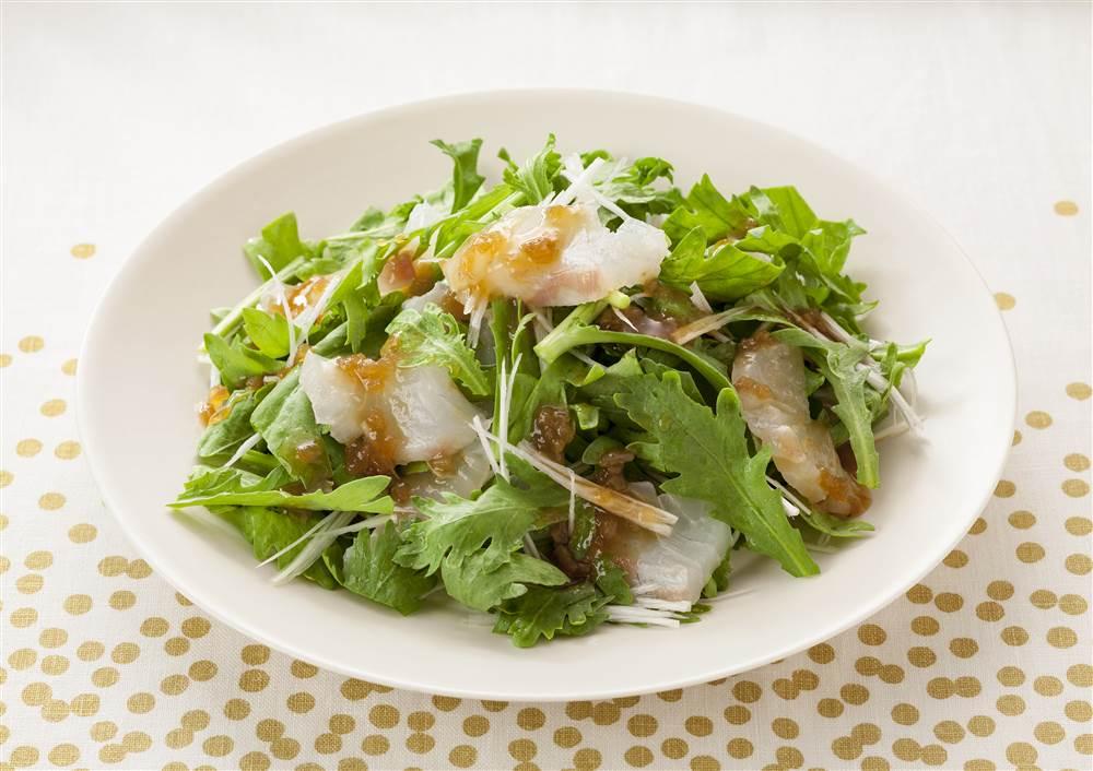 写真:春菊と鯛のサラダ