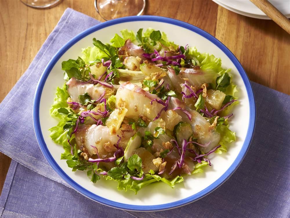 写真:鯛とグレープフルーツのセビーチェ風サラダ