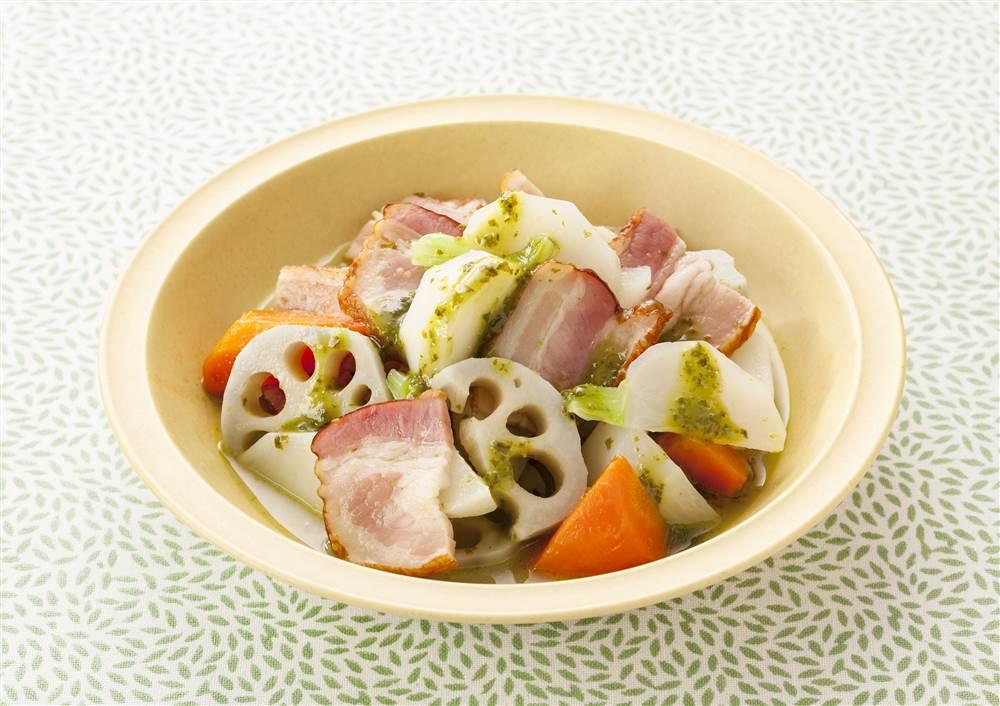 写真:根菜のイタリア風煮込み バジル風味