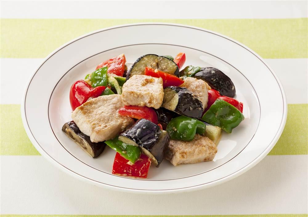 写真:カラフル野菜と豚肉のマヨソテー