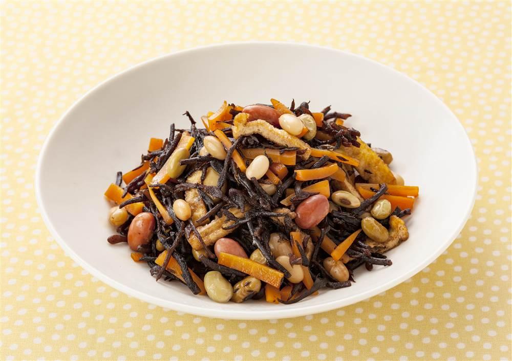 写真:ひじきと和豆の煮物