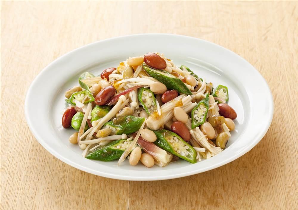 写真:えのきとオクラと和豆のあえサラダ