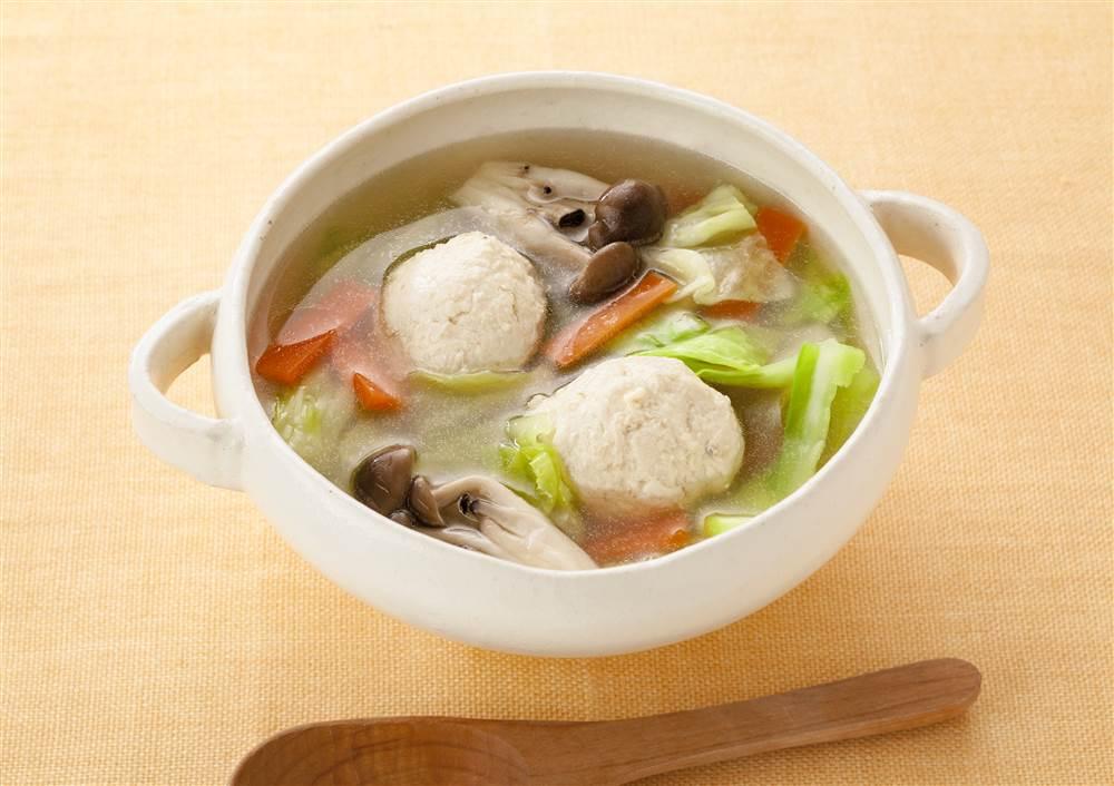 写真:マヨネーズで!やわらか鶏だんごの和風スープ