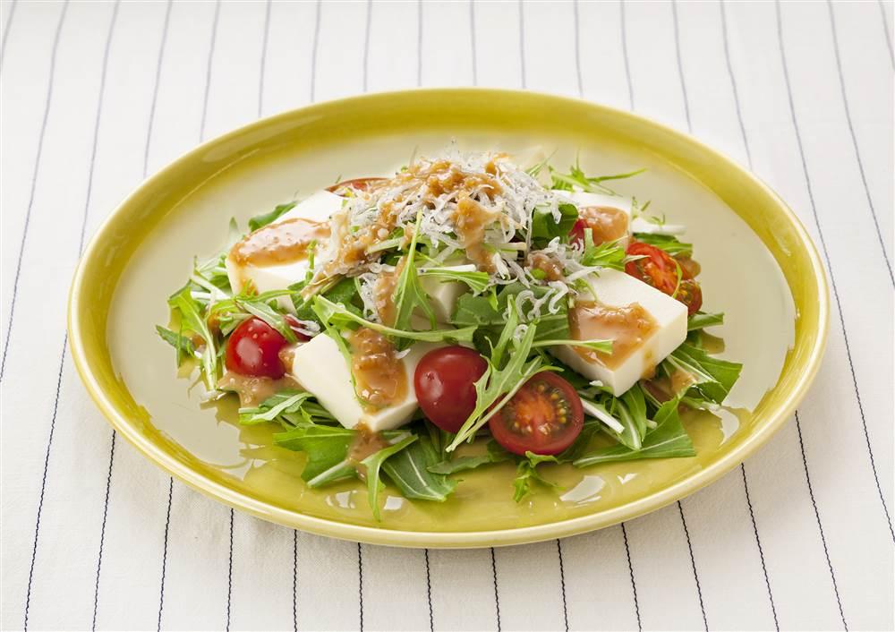写真:豆腐と水菜のサラダ