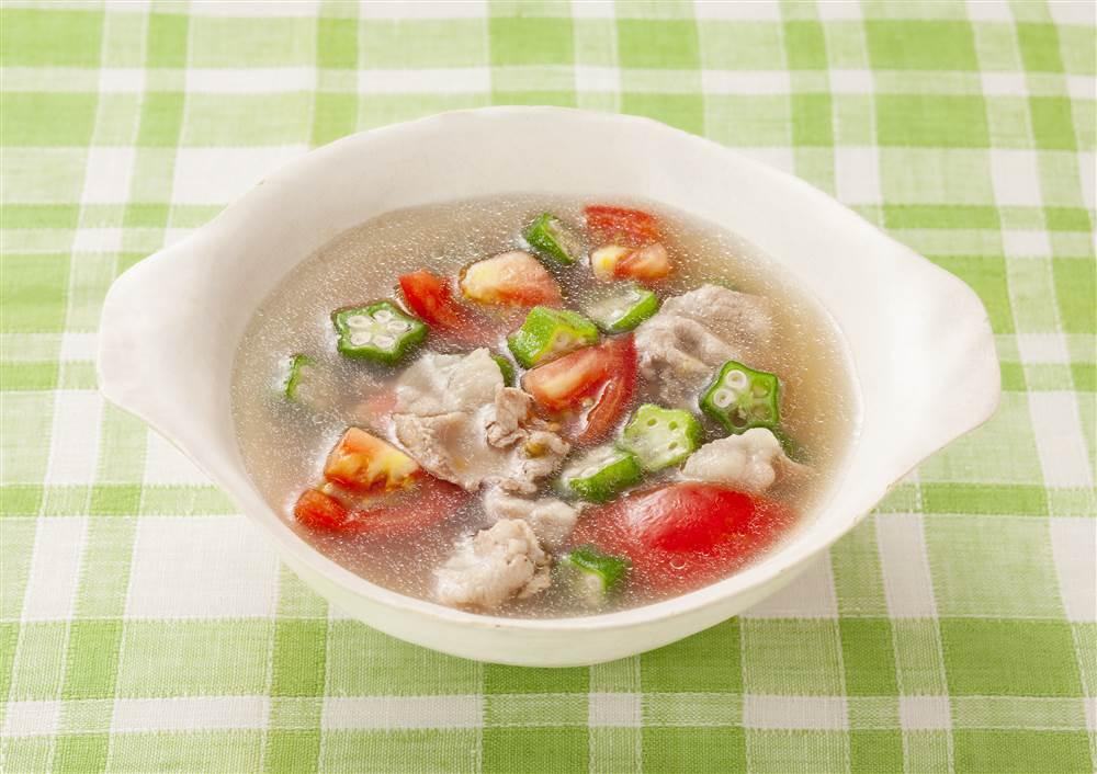 写真:トマトとオクラの和風スープ