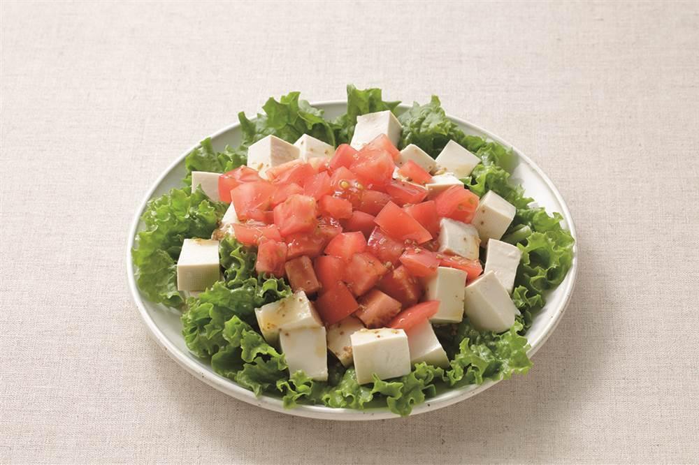 写真:豆腐とトマトのサラダ