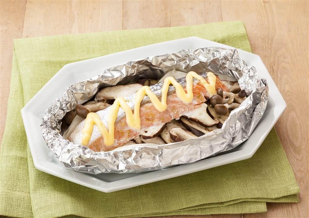 写真:鮭のゆずこしょうマヨホイル焼き