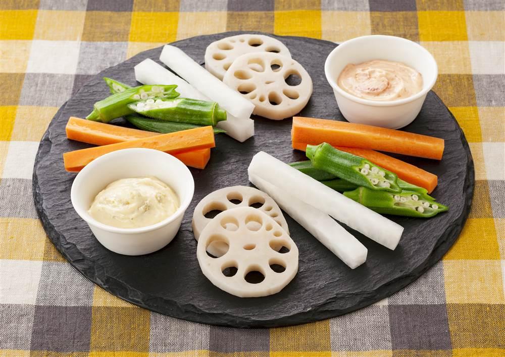 写真:野菜スティック ゆずこしょうと梅のマヨディップ