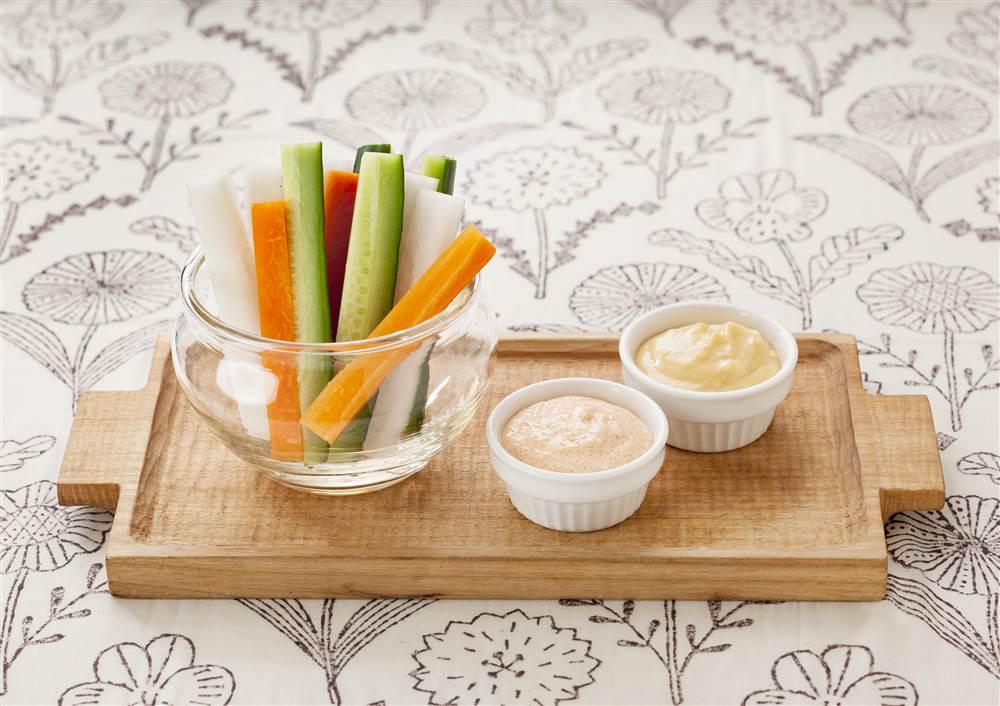 写真:野菜スティック みそと明太子のマヨディップ
