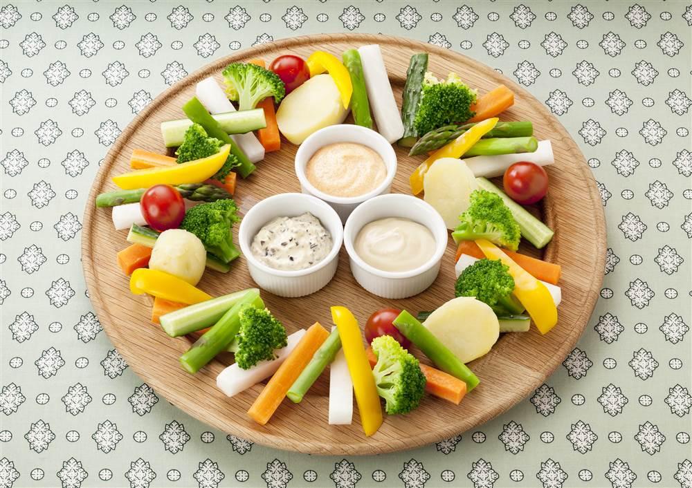 写真:カラフル野菜のパーティーマヨディップ