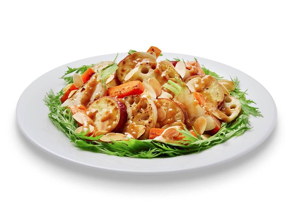 写真:れんこんとさつまいもの焼きサラダ