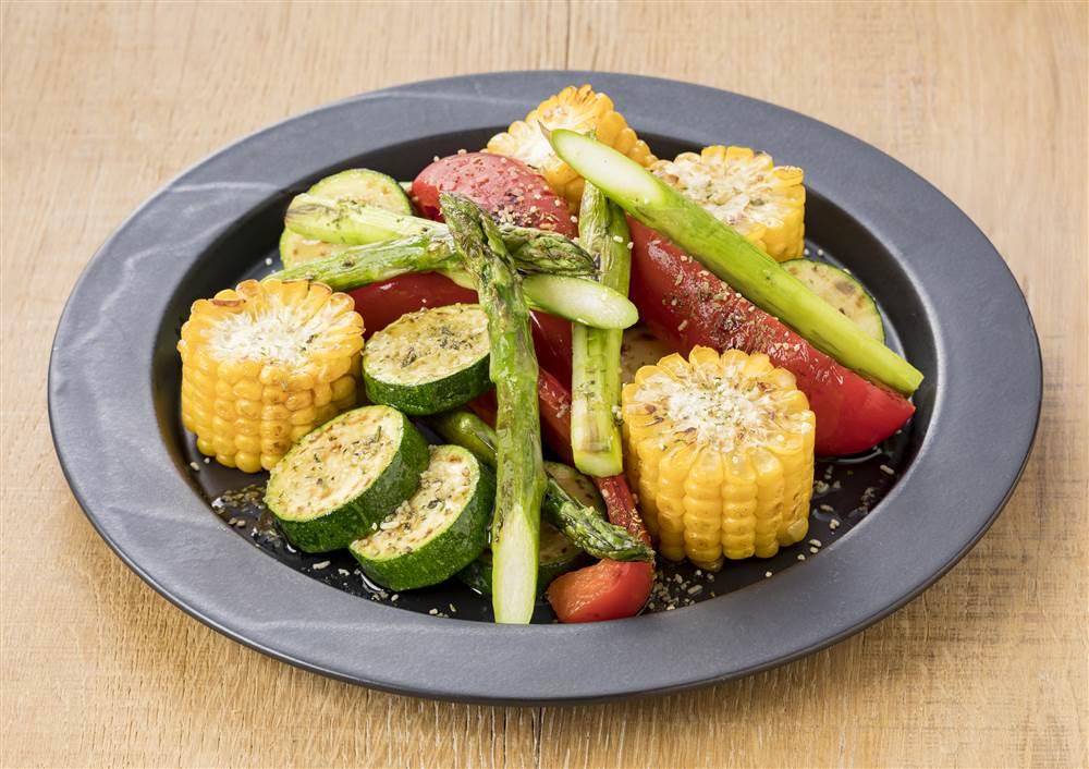 写真:グリル野菜のサラダ