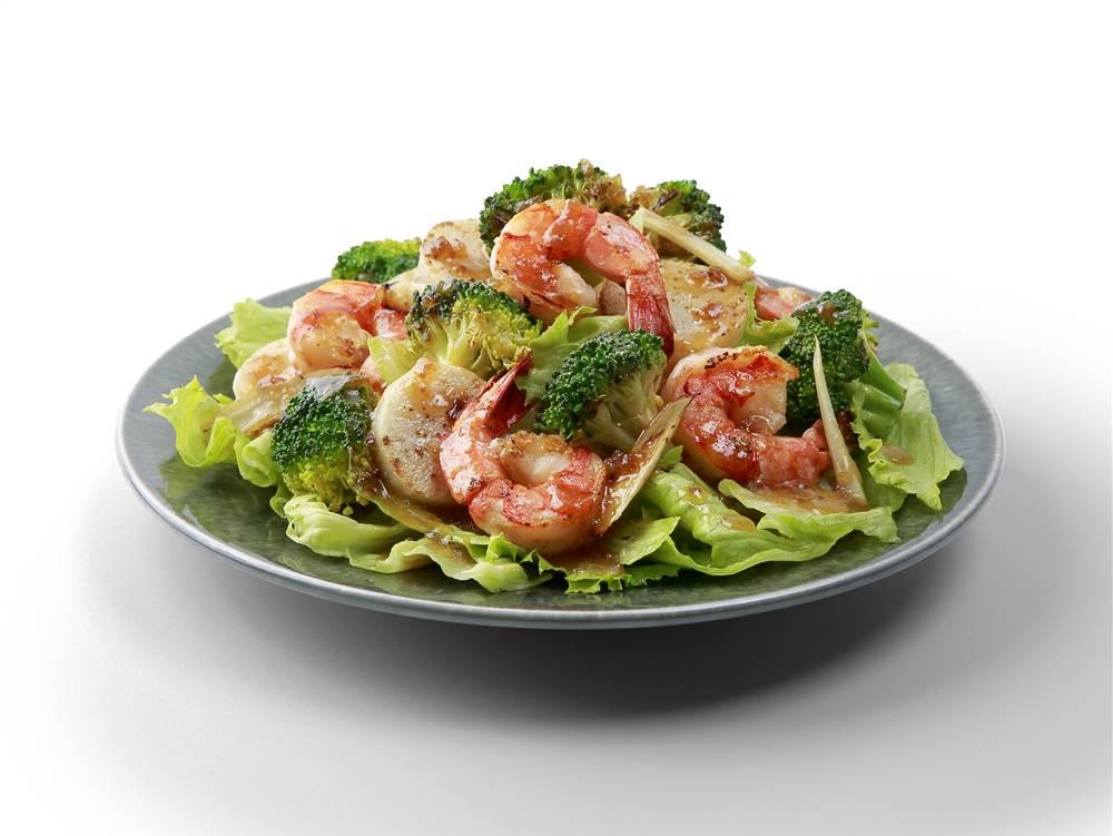 写真:えびとブロッコリーと里いものサラダ