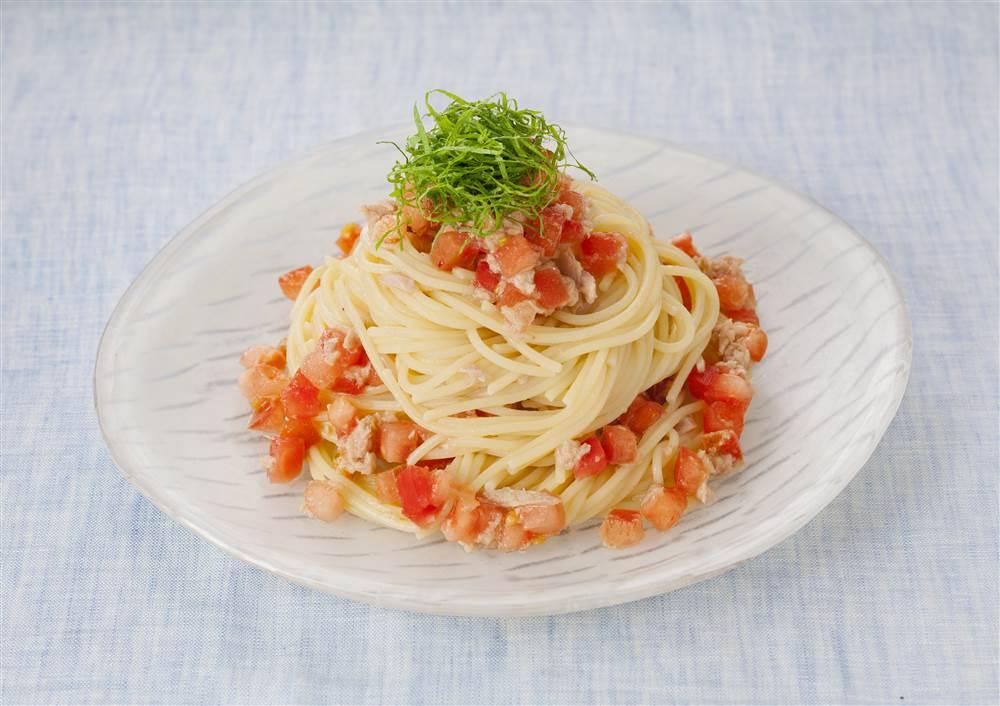 写真:トマトとツナと青じその冷製スパゲッティ
