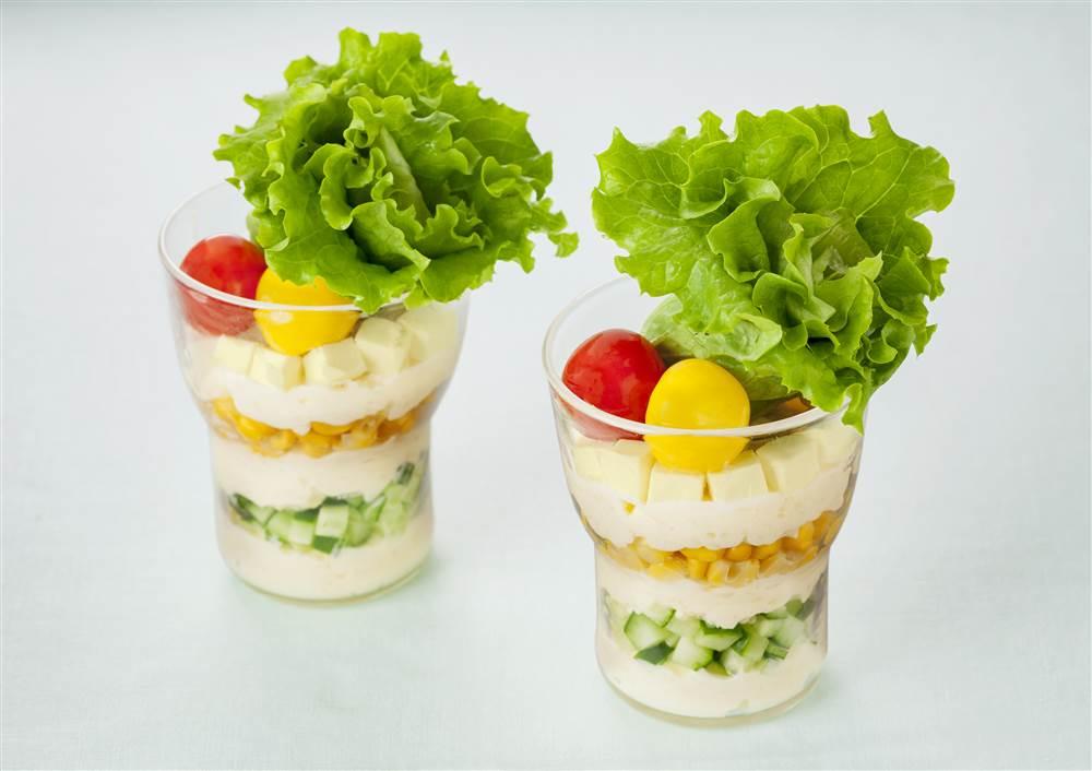 写真:ポテトクリームのサラダパフェ