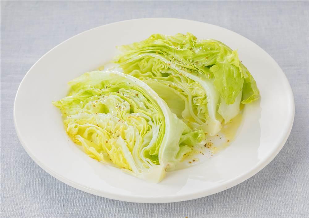 写真:レタスのサラダ