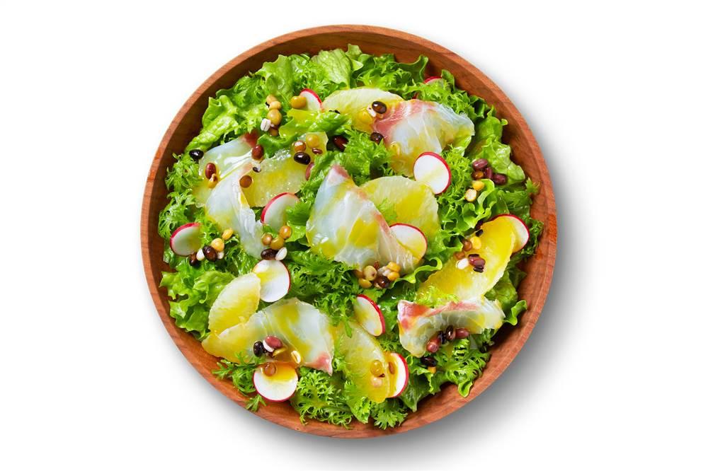 写真:鯛とグレープフルーツのパワーサラダ