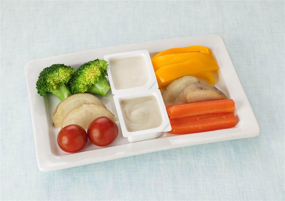 写真:彩り野菜のディップ