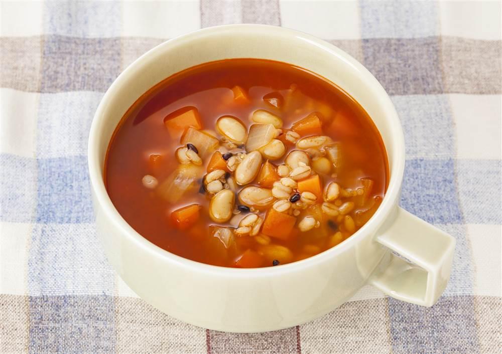 写真:3種の麦と大豆のミネストローネ