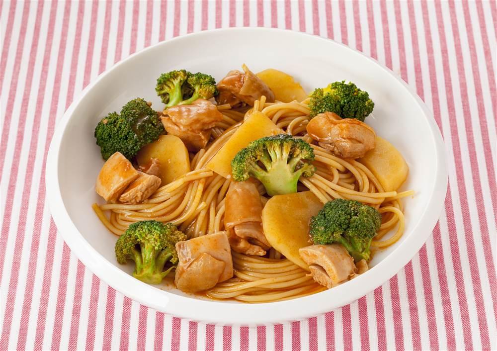 写真:フライパン1つで!ブロッコリーとじゃがいものトマトパスタ