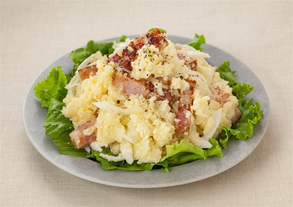 写真:ベーコンとチーズのポテトサラダ