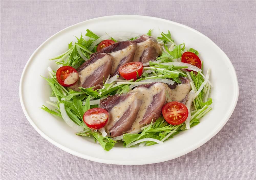 写真:かつおと水菜のサラダ