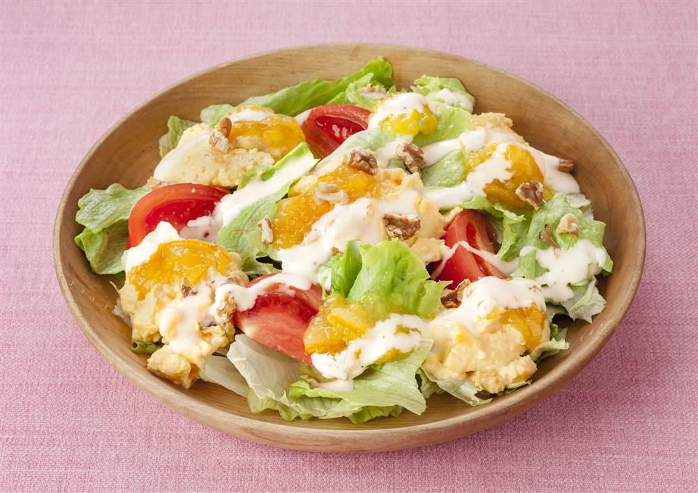 写真:レンジでかんたん!スクランブルエッグのパワーサラダ