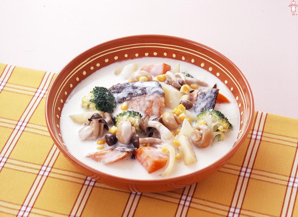 写真:鮭とマッシュルームのシチュー