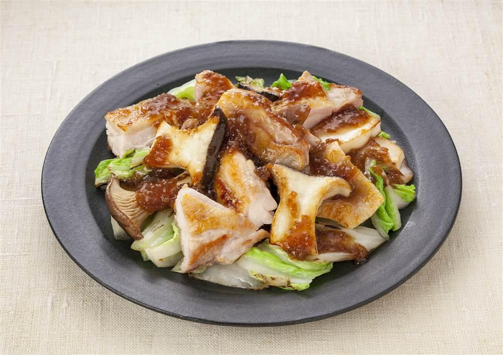 写真:白菜とチキンの焼きサラダ
