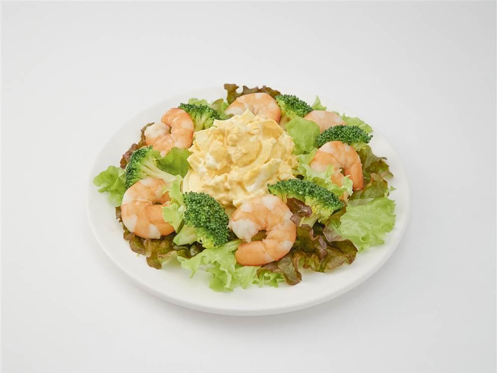 写真:たまごとえびとブロッコリーのサラダ