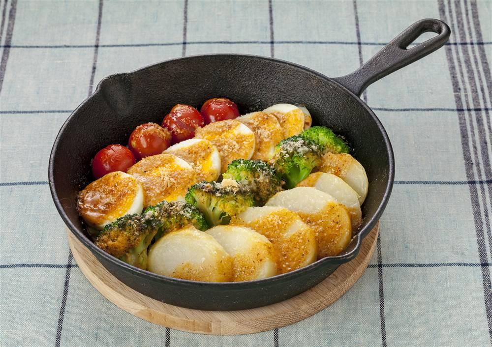写真:ブロッコリーとゆで卵の焼きコブサラダ