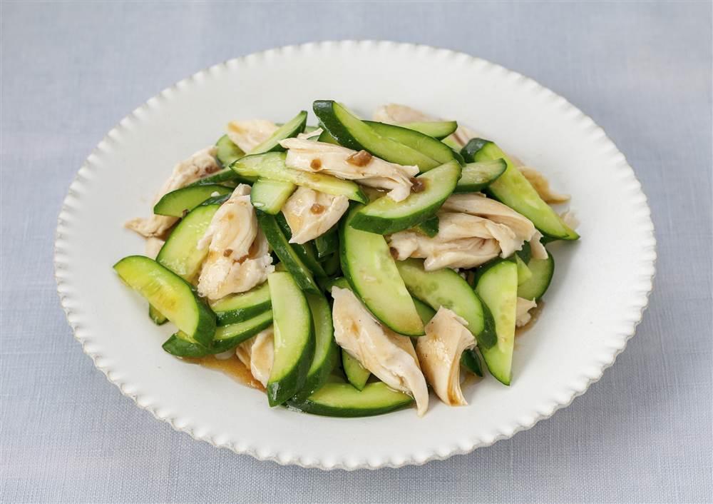 写真:きゅうりと鶏ささみのさっぱりサラダ