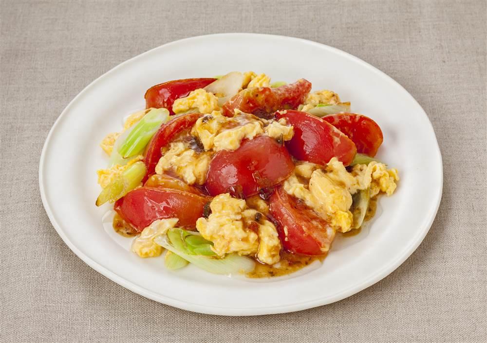 写真:トマトとふわふわたまごのドレッシング炒め
