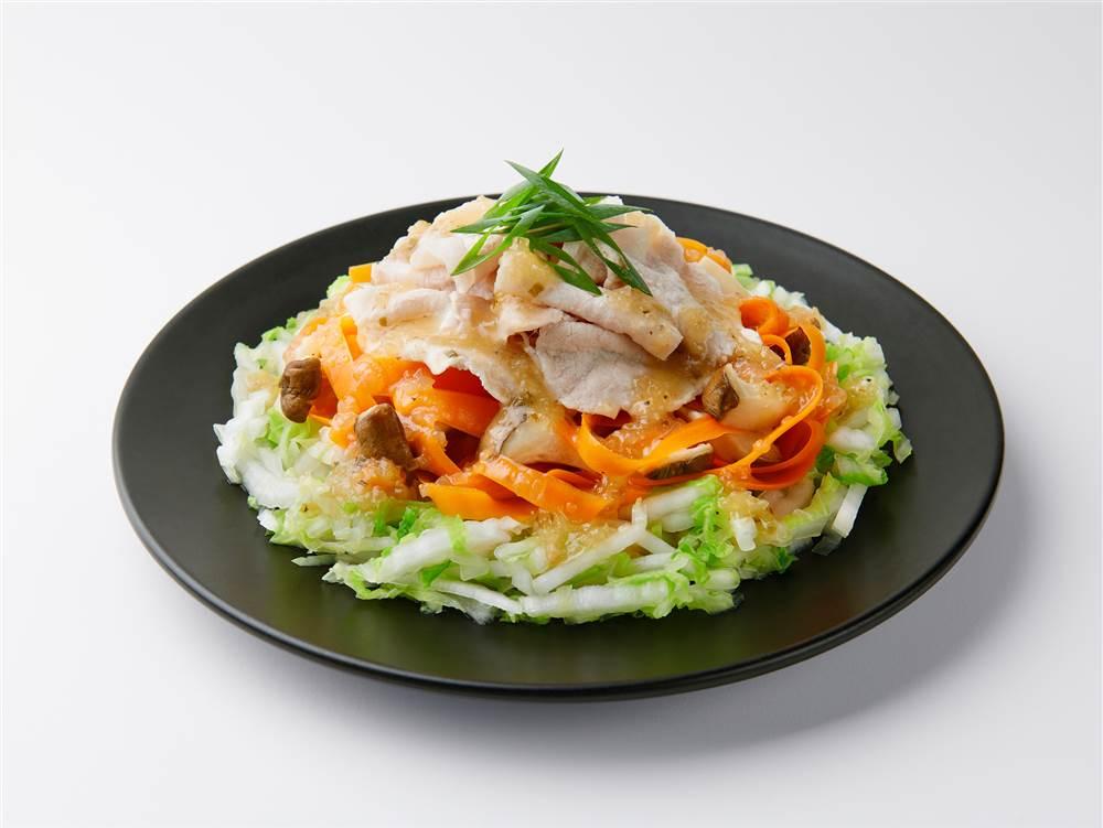 写真:白菜とにんじんの豚しゃぶ