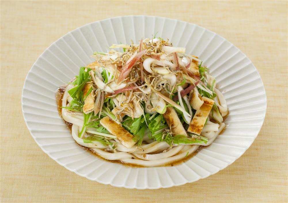 写真:水菜と香味野菜のサラダうどん