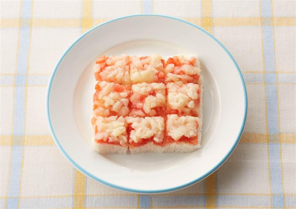 写真:トマトとポテトのトースト(9ヵ月頃から)