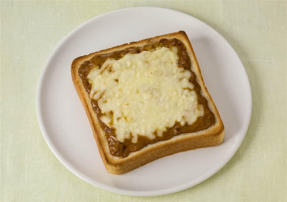 写真:カレーチーズトースト