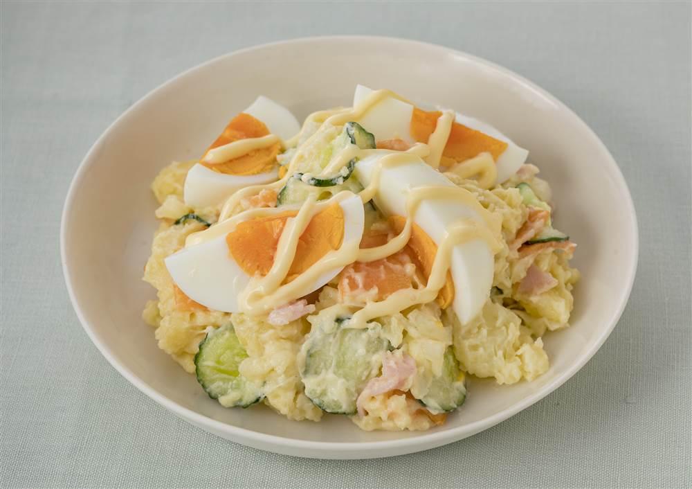 写真:ゆで卵のポテトサラダ