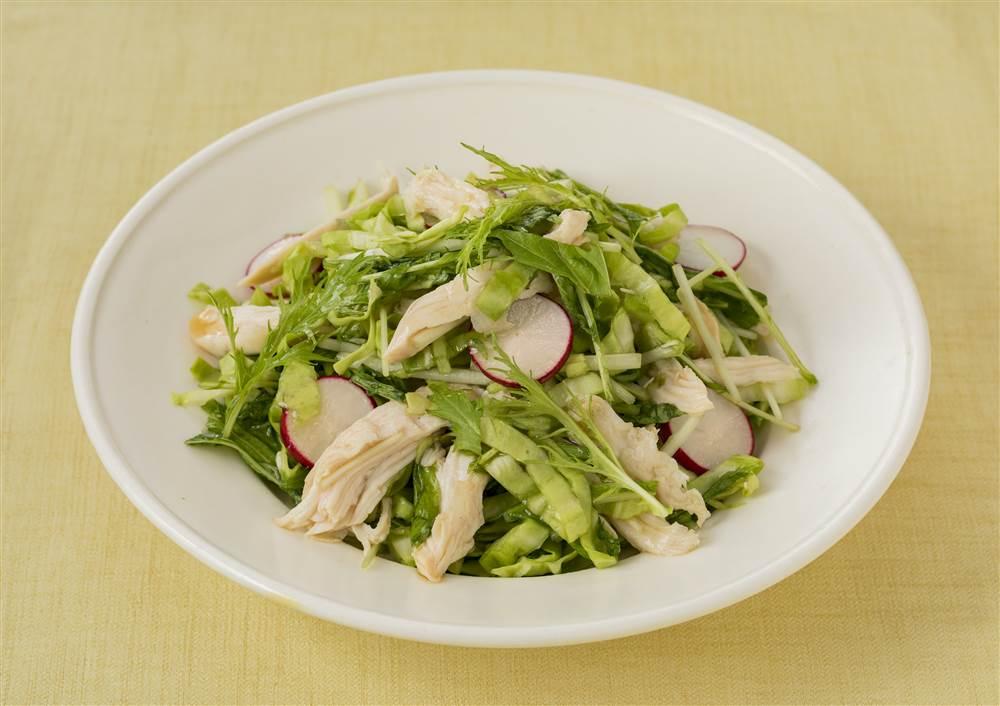 写真:水菜とサラダチキンの和風コールスロー
