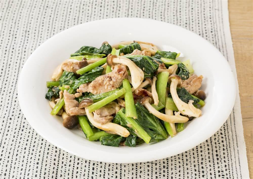 写真:豚肉と小松菜の深煎りごま炒め